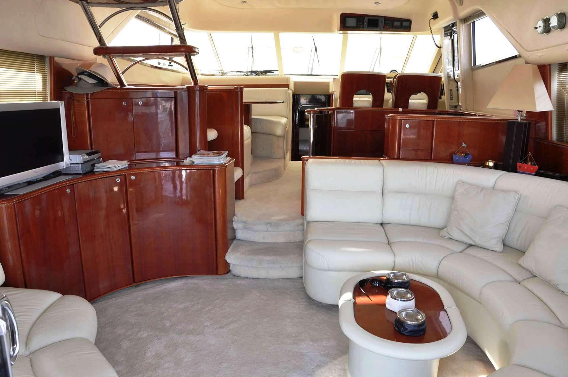 maria vek salon (1)_valef -  Valef Yachts Chartering - 5448