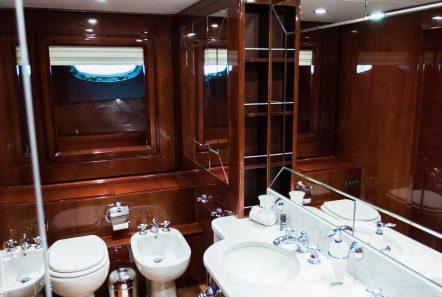 albator2 baths (1) -  Valef Yachts Chartering - 3822