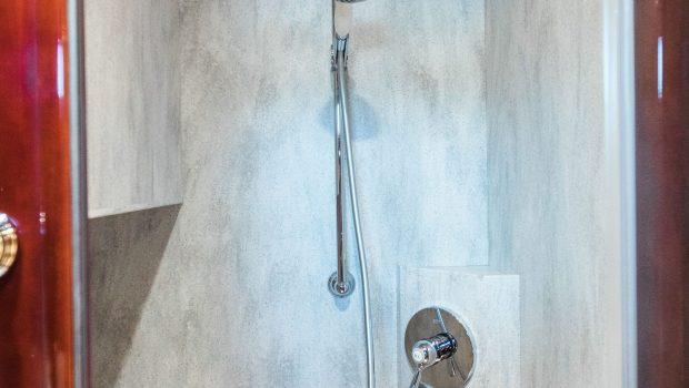 albator2 baths (2) -  Valef Yachts Chartering - 3821