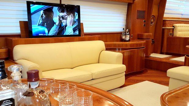 amoraki motor yacht bar min -  Valef Yachts Chartering - 5037
