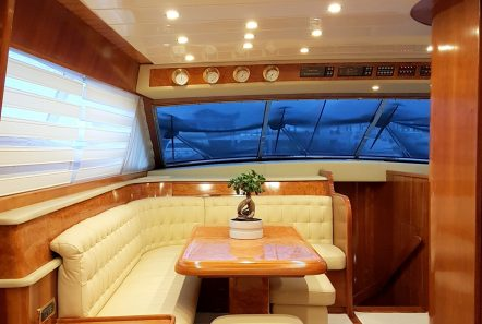 amoraki motor yacht dining (2) min -  Valef Yachts Chartering - 5051