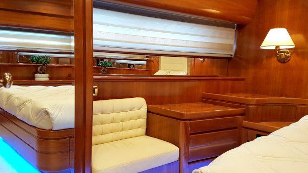 amoraki motor yacht master (1) min -  Valef Yachts Chartering - 5032