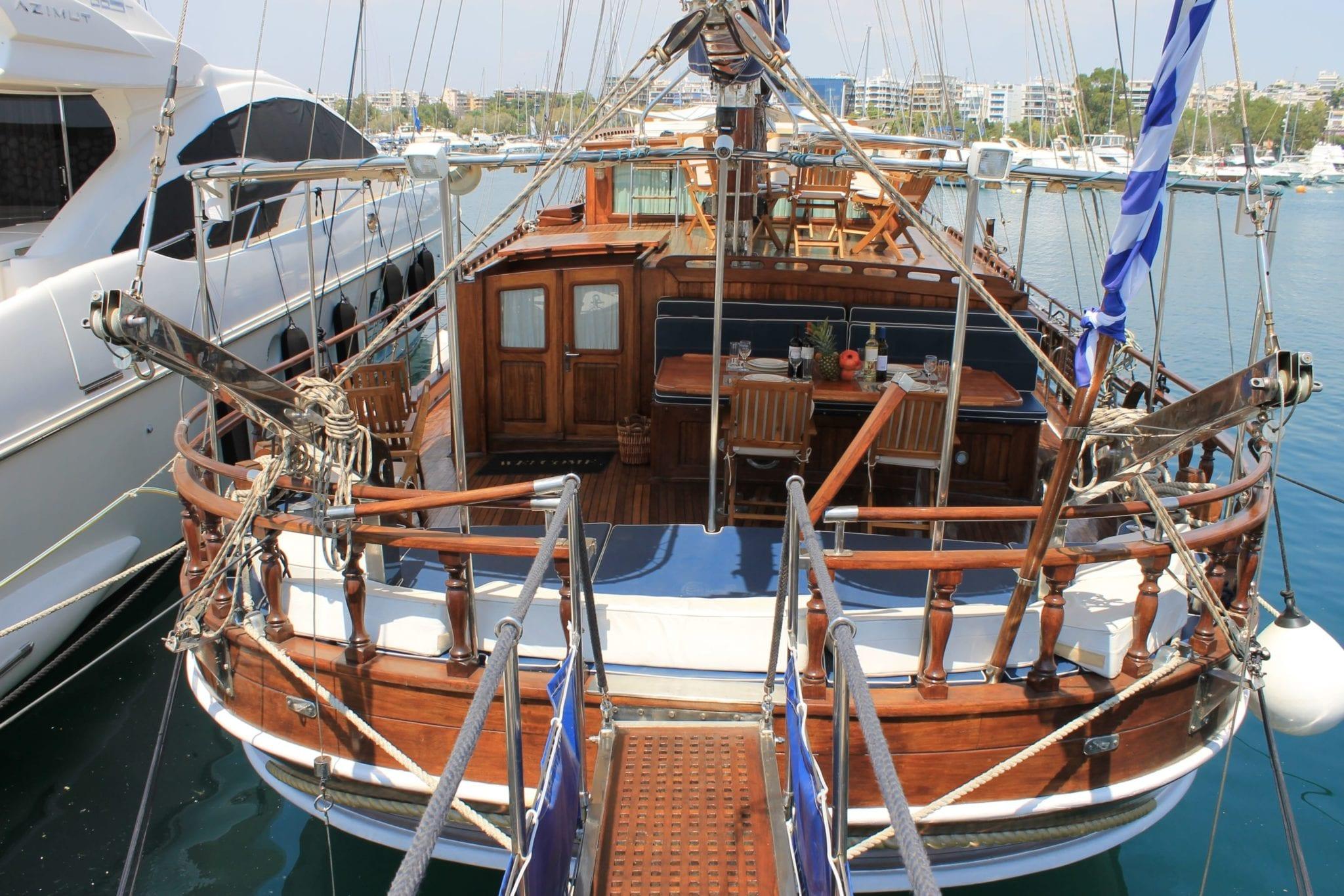 apollon motor sailer aft min -  Valef Yachts Chartering - 4746