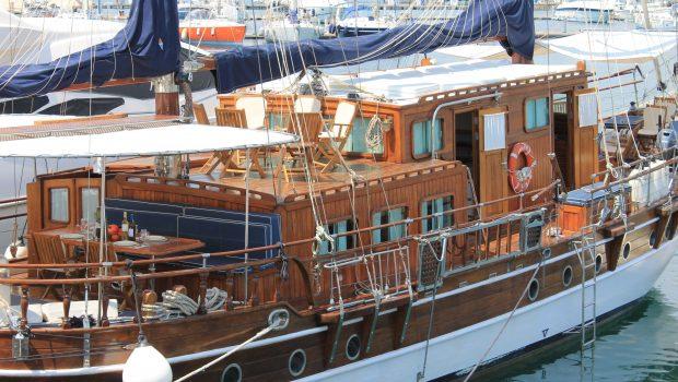 apollon motor sailer starboard min -  Valef Yachts Chartering - 4738