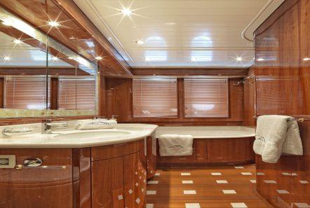 atalanti motor yacht master bath_valef -  Valef Yachts Chartering - 5204