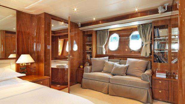atalanti motor yacht master stateroom (1)_valef -  Valef Yachts Chartering - 5203