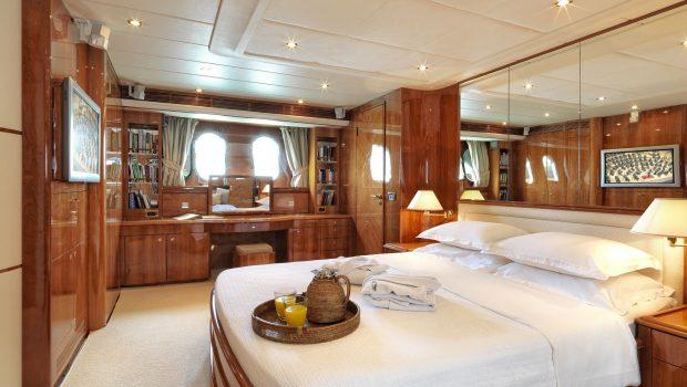 atalanti motor yacht master stateroom (2)_valef -  Valef Yachts Chartering - 5202