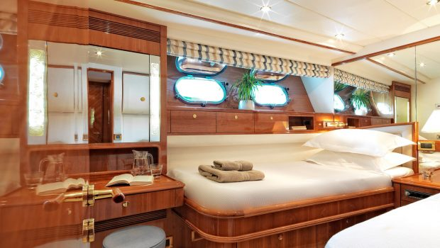 atalanti motor yacht twin staterooms_valef -  Valef Yachts Chartering - 5214