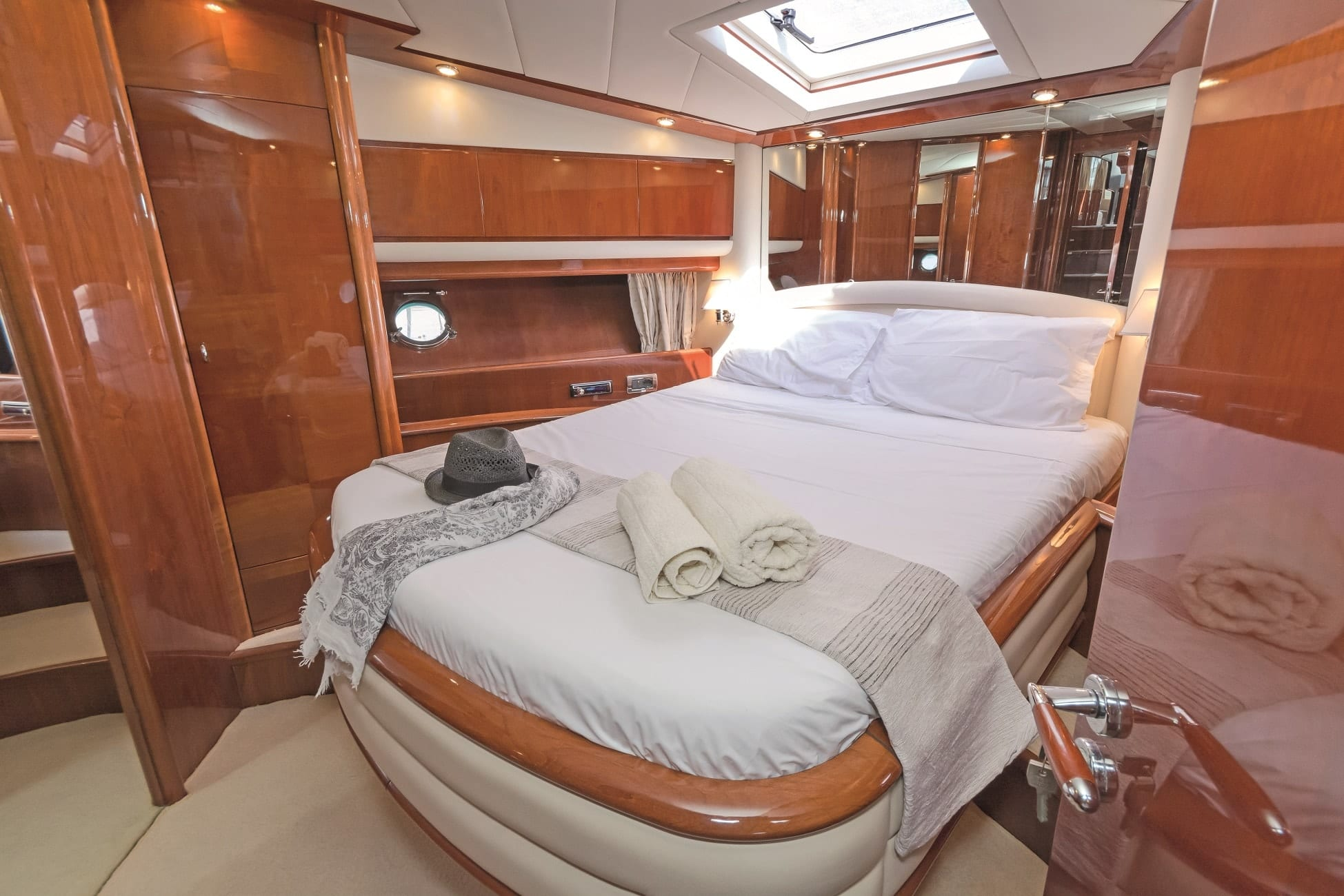 beluga motor yacht vip stateroom min -  Valef Yachts Chartering - 3749
