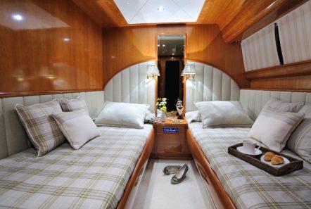 blu sky canados twin -  Valef Yachts Chartering - 4347