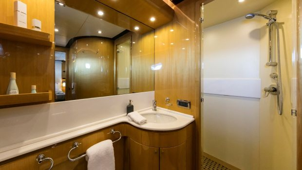 cant remember motor yacht baths (1) min -  Valef Yachts Chartering - 4662