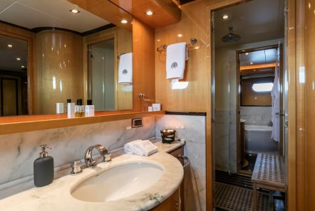 cant remember motor yacht master bath (1) min -  Valef Yachts Chartering - 4683