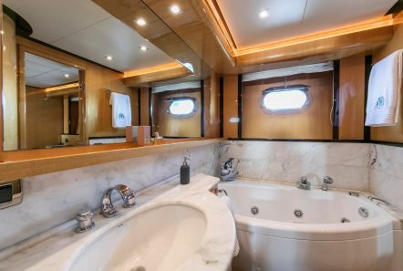 cant remember motor yacht master bath (2) min -  Valef Yachts Chartering - 4682
