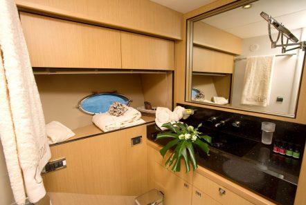catherine motor yacht bath3_valef -  Valef Yachts Chartering - 5185