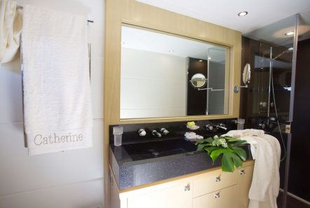 catherine motor yacht master bath (1)_valef -  Valef Yachts Chartering - 5177
