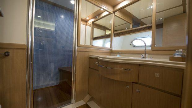 dana motor yacht baths (3) -  Valef Yachts Chartering - 4276