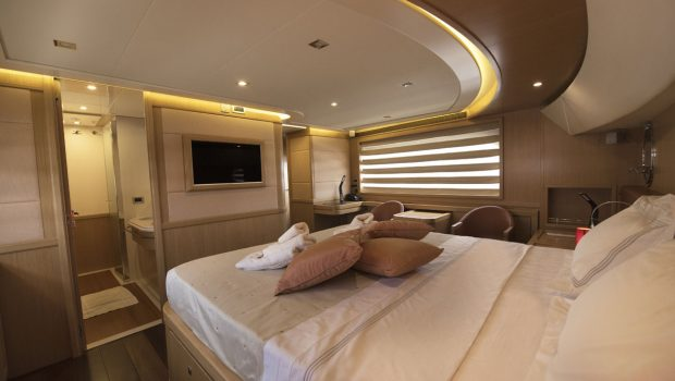 dana motor yacht bed view -  Valef Yachts Chartering - 4273