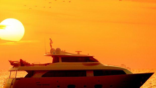dana motor yacht custom line navetta -  Valef Yachts Chartering - 4270