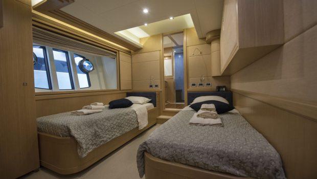 dana motor yacht twin (1) -  Valef Yachts Chartering - 4286