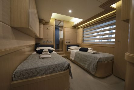 dana motor yacht twin (2) -  Valef Yachts Chartering - 4285