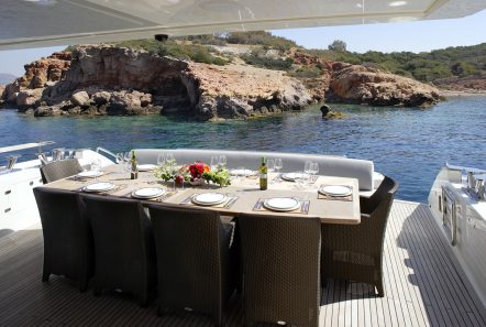 dragon motor yacht aft dining min -  Valef Yachts Chartering - 4935