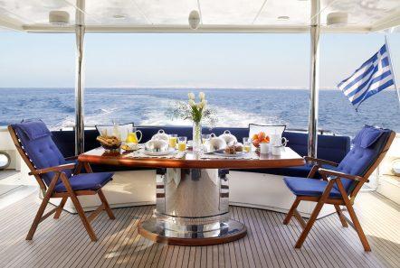 dream b motor yacht aft deck.30 min -  Valef Yachts Chartering - 4780
