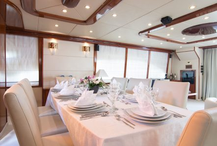 dream b motor yacht dining (2) min -  Valef Yachts Chartering - 4776