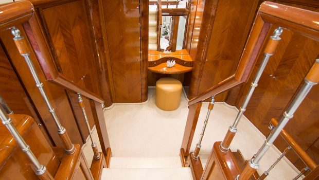 dream b motor yacht master dressing min -  Valef Yachts Chartering - 4767