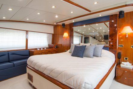 dream b motor yacht master stateroom min -  Valef Yachts Chartering - 4766