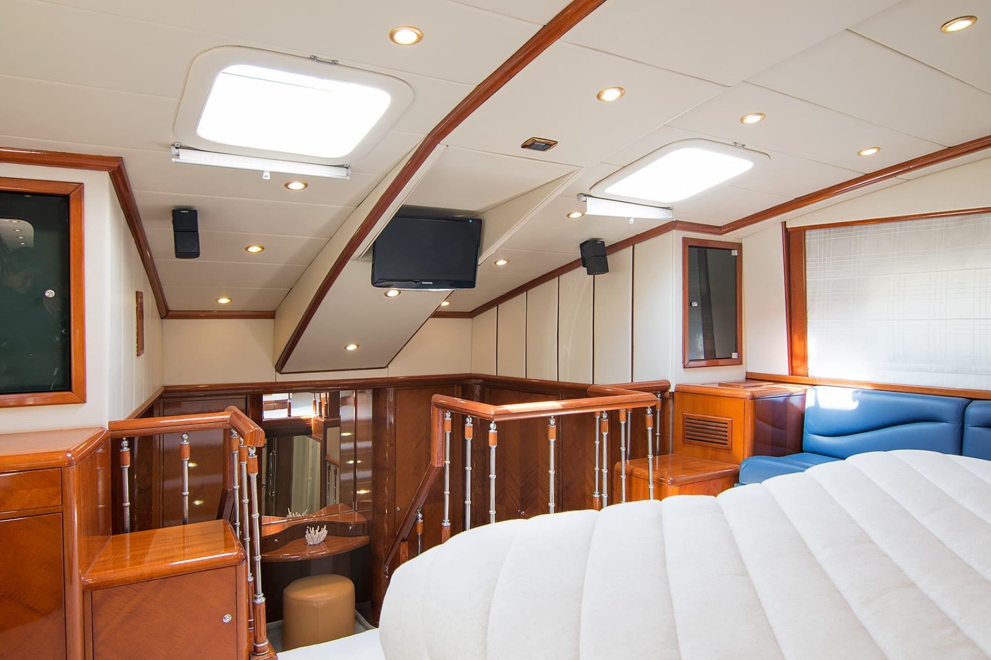 dream b motor yacht master2 min -  Valef Yachts Chartering - 4770