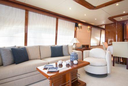 dream b motor yacht salon (3) min -  Valef Yachts Chartering - 4763