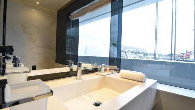 eden mega yacht master bath min -  Valef Yachts Chartering - 4915