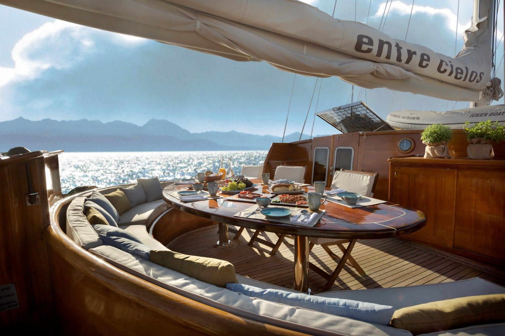 entre cielos gullet dining al fresco (1) min -  Valef Yachts Chartering - 3850