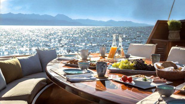 entre cielos gullet dining al fresco (2) min -  Valef Yachts Chartering - 3848