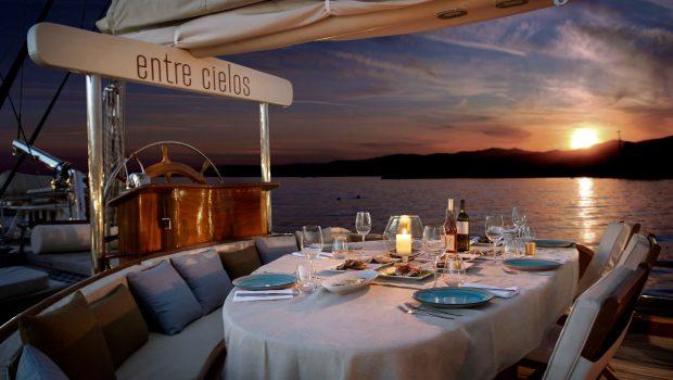 entre cielos gullet dining al fresco (2) min -  Valef Yachts Chartering - 3847