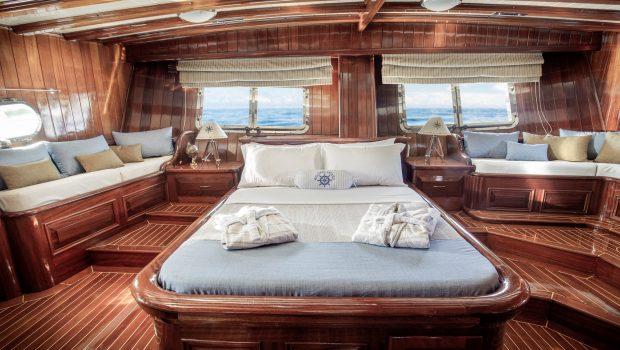 entre cielos gullet master cabin plato (2) min -  Valef Yachts Chartering - 3827