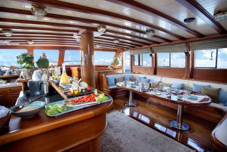 entre cielos gullet salon min -  Valef Yachts Chartering - 3823