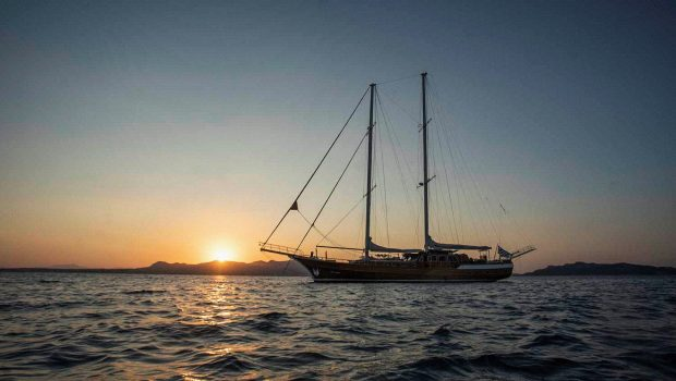 entre cielos gullet sunset min -  Valef Yachts Chartering - 3835