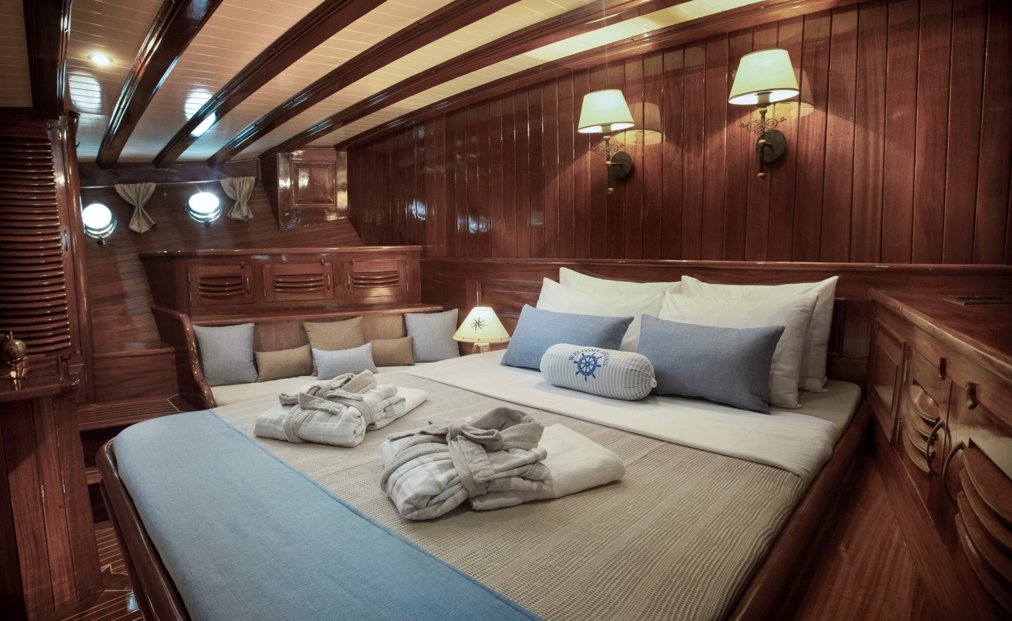 entre cielos gullet vip cabin sokrates (1) min -  Valef Yachts Chartering - 3833