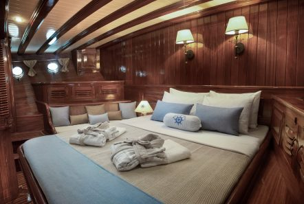 entre cielos gullet vip cabin sokrates (2) min -  Valef Yachts Chartering - 3832