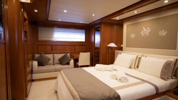 freedom motor yacht master suite (1) -  Valef Yachts Chartering - 0571