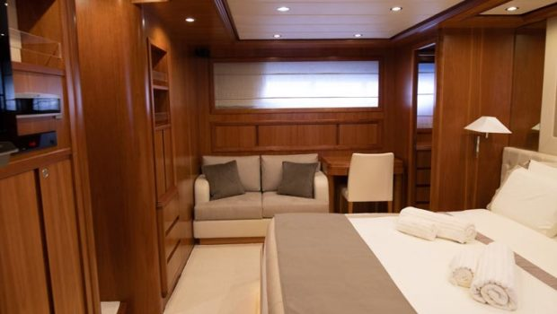 freedom motor yacht master suite (2) -  Valef Yachts Chartering - 0570