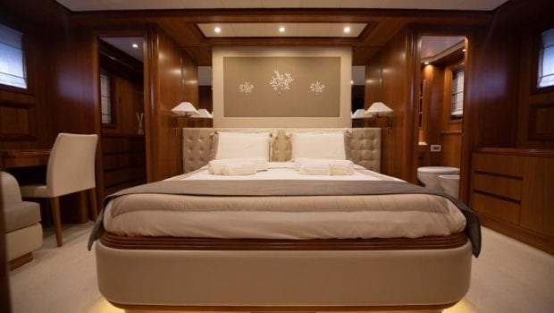 freedom motor yacht master suite (3) -  Valef Yachts Chartering - 0569