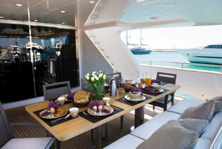 gioe i motor yacht aft deck min -  Valef Yachts Chartering - 4095
