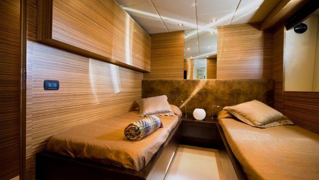 gioe i motor yacht twins min -  Valef Yachts Chartering - 4097