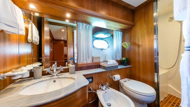 gorgeous motor yacht baths (3) min -  Valef Yachts Chartering - 3952