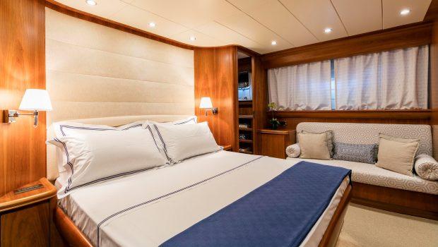 gorgeous motor yacht master min -  Valef Yachts Chartering - 3934
