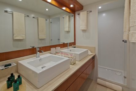 helios motor yacht master bathroom min -  Valef Yachts Chartering - 4564