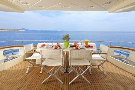 iris azimut motor yacht aft dining (1) -  Valef Yachts Chartering - 4527