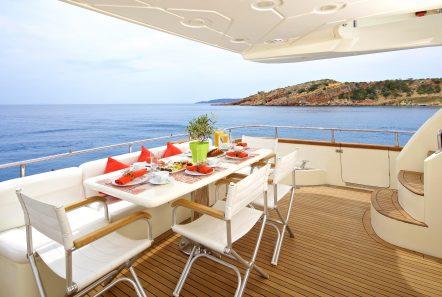 iris azimut motor yacht aft dining (2) -  Valef Yachts Chartering - 4526